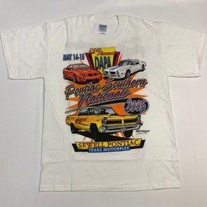 Vintage '05 Pontiac Car T-Shirt